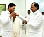 Jagan Mohan Reddy meets KCR
