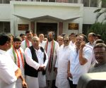 Uttam Kumar Reddy and other leaders arrive to meet state's DGP