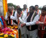 Indira Gandhi's death anniversary - Telangana Congress leaders pay tributes