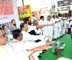 Rajiv Gandhi's 28th death anniversary - Uttam Kumar Reddy pays tributes
