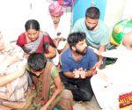 Telangana ministers visit rape-murder victim's family