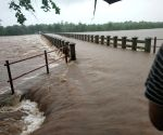 5 dead in Maharashtra rains, schools to be shut