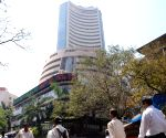 Sensex down 170 points, Yes Bank sheds 5%