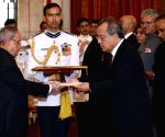 President accepts credentials of foreign envoys