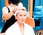 Benefits of salon services at home during festive season