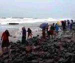 Effect of Cyclone Nivar continues in Andhra Pradesh