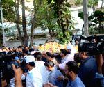 Veteran action director Veeru Devgan passes away - Celebs visit Devgan residence to pay tributes