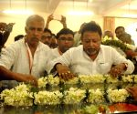 Mukul Roy pays tribute to Swami Atmasthananda