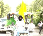SAD holds 'chakka jam' programme across Punjab to express solidarity with farmers