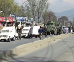 Six troopers, girl injured in Kashmir attack