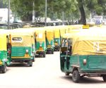 Few passengers on streets pose challenge for auto drivers in Delhi