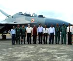 Su-30 flies with BrahMos missile for first time (Lead) ()