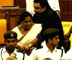 Kerala legislators go berserk in assembly