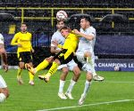 ) Dortmund overpowers Zenit in UEFA Champions League Group F