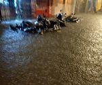 Free Photo: Torrential rains paralyse Mumbai