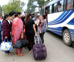 Tourists leave Kashmir Valley