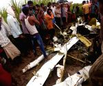 Trainee pilot in UP chopper crash (Ld)