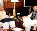 Kaptan Singh Solanki meets Rajnath Singh