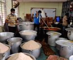 Trivandrum Press Club providing succour to needy with free lunches