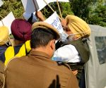 Free Photo: True Punjabi spirit amidst 'Delhi Chalo' march