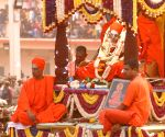 Karnataka seer laid to rest with state honours
