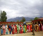 Barring minor incidents, voting ends peacefully in J&K