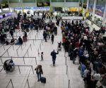 Ministers 'consider relaxing UK travel quarantine'