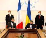 Ukraine, France sign agreements worth $1.5bn