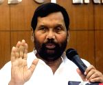 Delhi water sampling panel should be non-political: Paswan