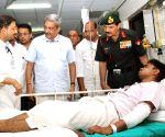 Fire at ammunition depot, Parrikar visits injured