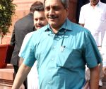 Parrikar advised week's rest