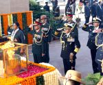 Vijay Diwas - Nirmala Sitharaman pays tributes at Amar Jawan Jyoti