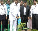 Anant G Geete, V.K. Saraswat at CMTI