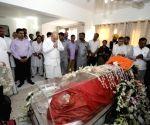 Amit Shah pays tribute to Sushma Swaraj