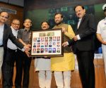 Prakash Javadekar honoures the Param Veer Chakra heroes