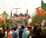2019 Lok Sabha polls: Harsh Vardhan's roadshow