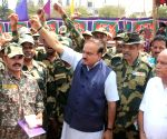 Ananth Kumar celebrates Diwali with soldiers