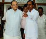 Arun Jaitley meets Telangana CM Chandrasekhar Rao