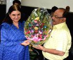 Union Minister Maneka Gandhi meets Kolkata Mayor Sovan Chatterjee