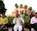 "Mahesh Sharma unveils  ""Gold Finial at Humayun's Tomb"""