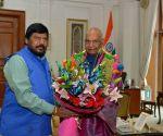 Ramdas Athawale calls on President Kovind