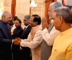 President Kovind hosts a banquet for the outgoing Union Council of Ministers led by PM Modi
