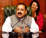 Jitendra Singh meets DU students