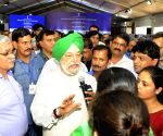 Handing over ceremony of Govt. flats at East Kidwai Nagar -  Hardeep Singh Puri