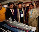 Harsh Vardhan visits Science Expo