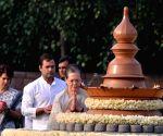 Rahul Gandhi, Priyanka Gandhi Vadra, Sonia Gandhi pay homage to Rajiv Gandhi on death anniversary