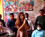 Urmila Matondkar seeks to spread cheer in flood-ravaged Maha hamlets