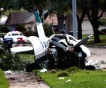 US: 5 injured after military training plane crashes in Texas
