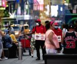 US private sector adds 330,000 jobs in July