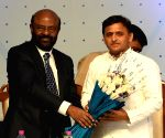 Akhilesh Yadav interacts with HCL trainees